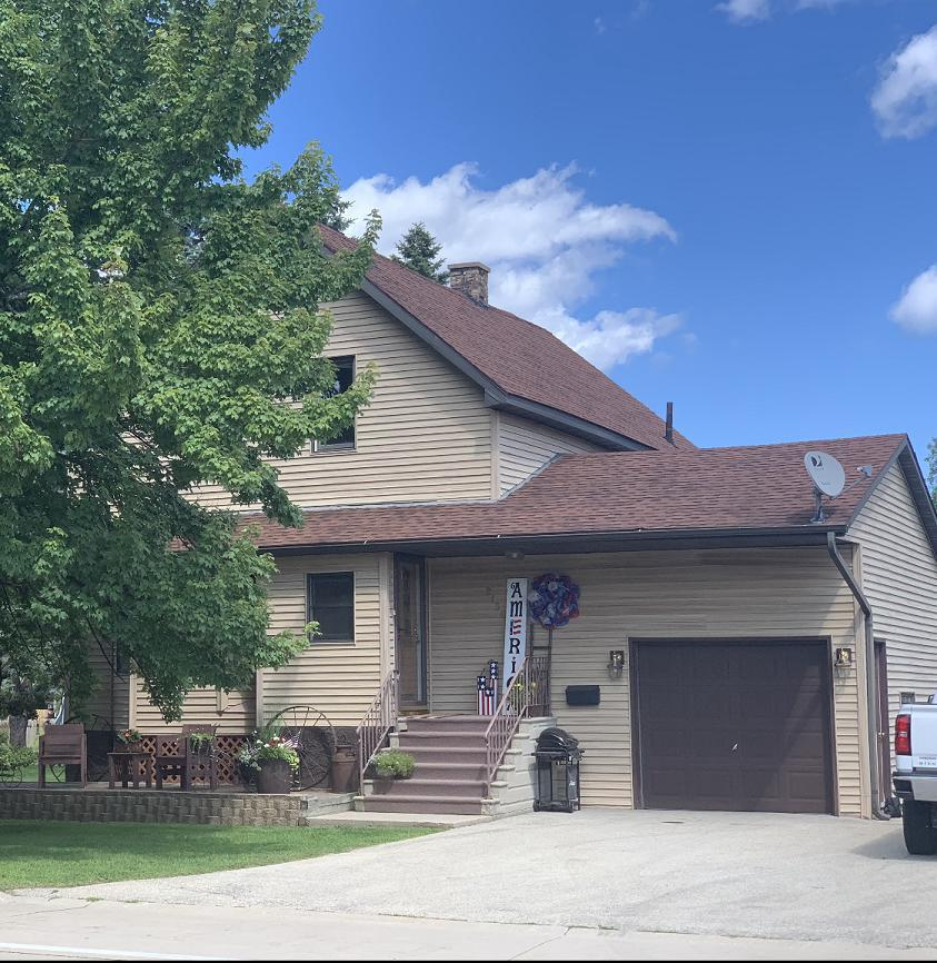 View Single-Family Home For Sale at 2130 Shore Dr, Marinette, WI