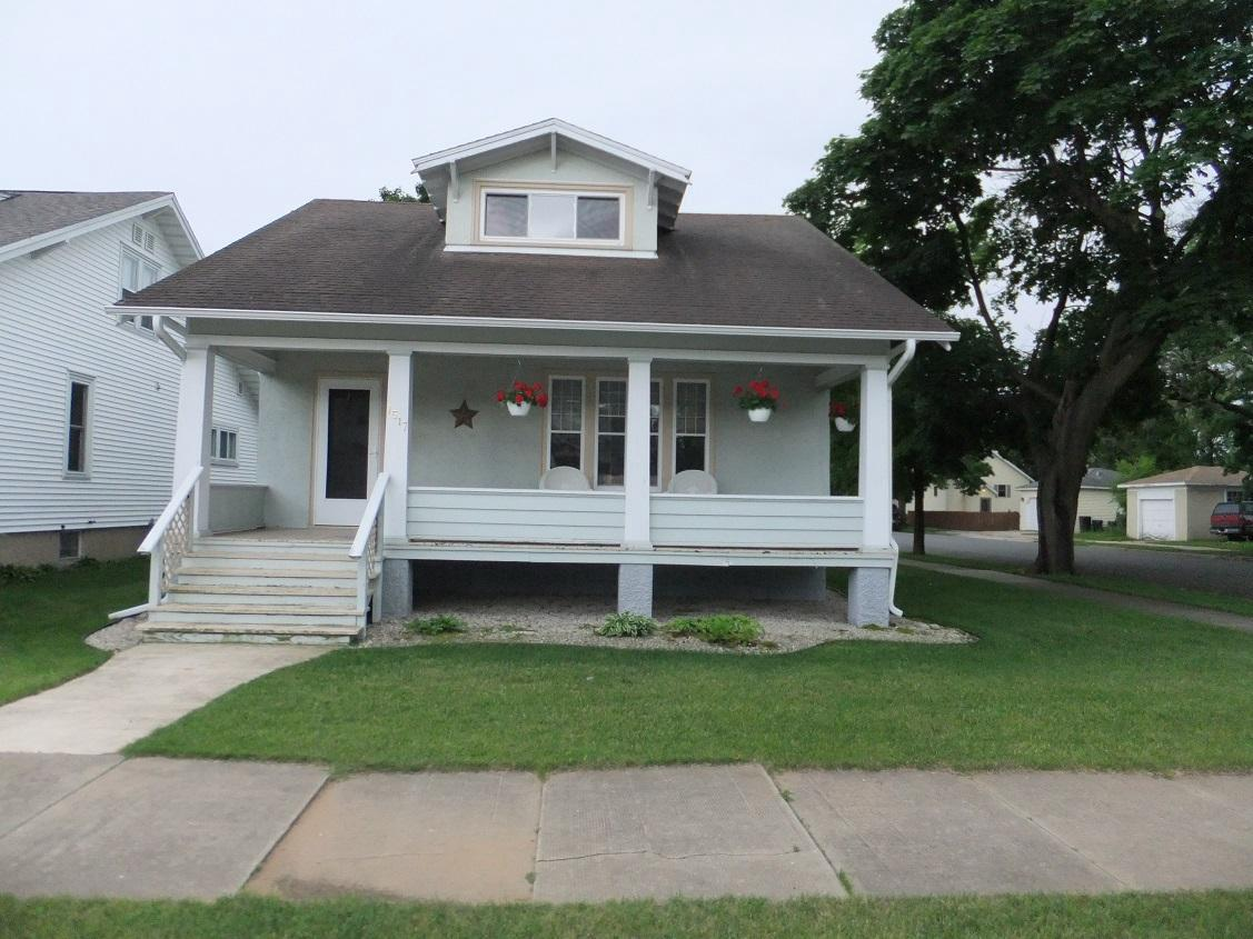 View Single-Family Home For Sale at 1517 16th Ave, MENOMINEE, MI