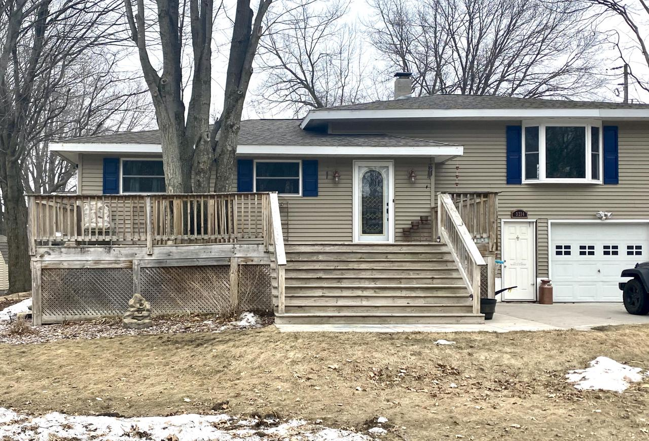 View Single-Family Home For Sale at 3214 18th St, Abbotsford, MI