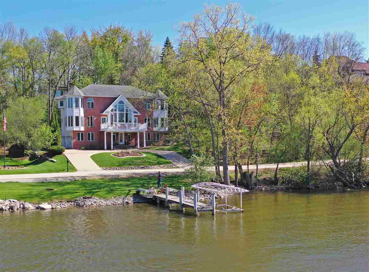 View Single-Family Home For Sale at 1427 PALISADES DRIVE, Appleton, WI