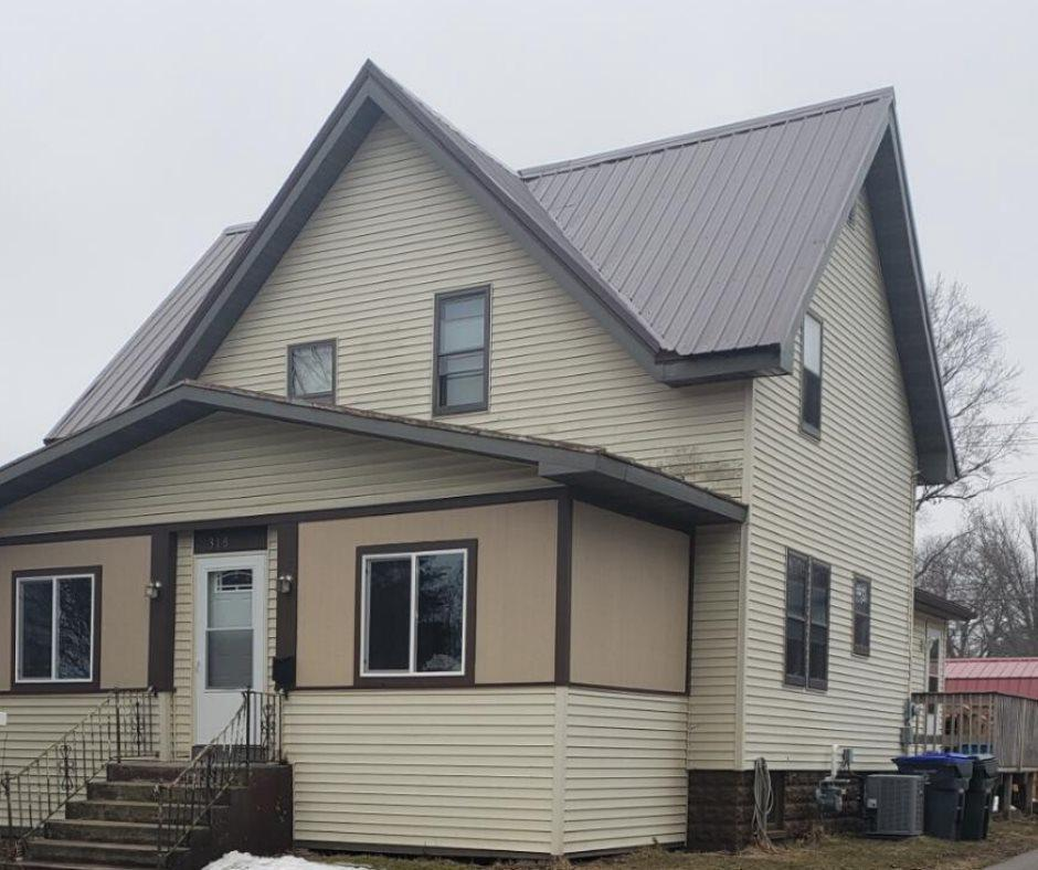 View Single-Family Home For Sale at 318 E SPRING STREET, New London, WI