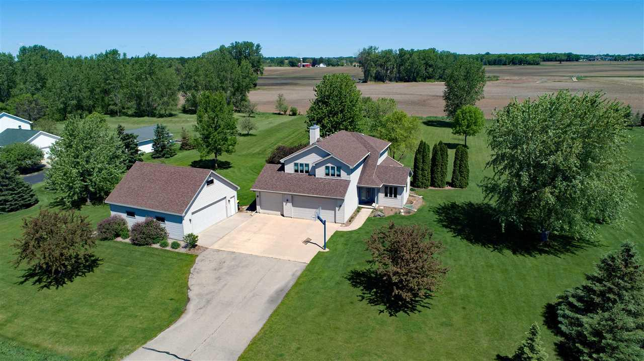 View Single-Family Home For Sale at 7551 SUNBURST LANE, Neenah, WI