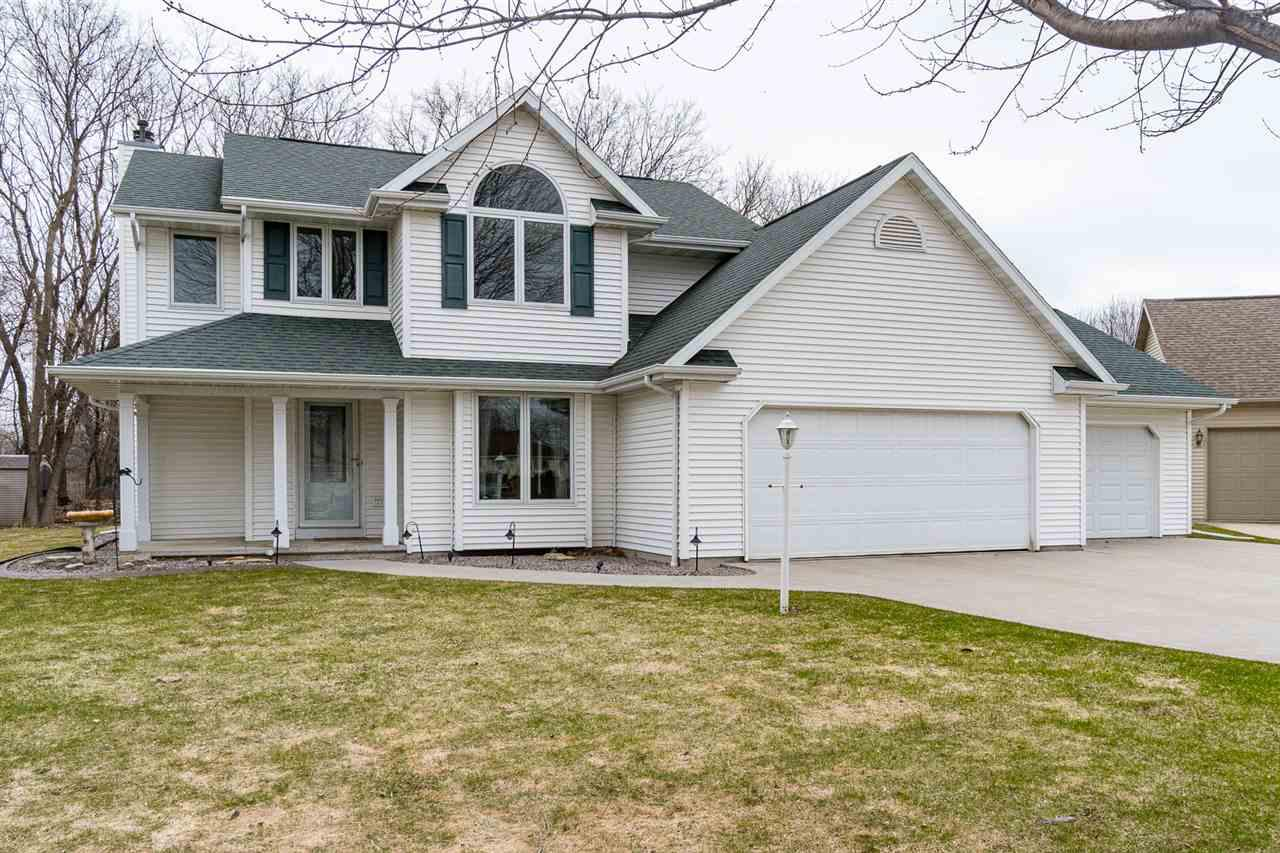 View Single-Family Home For Sale at 1701 HIGHRIDGE TERRACE, Menasha, WI