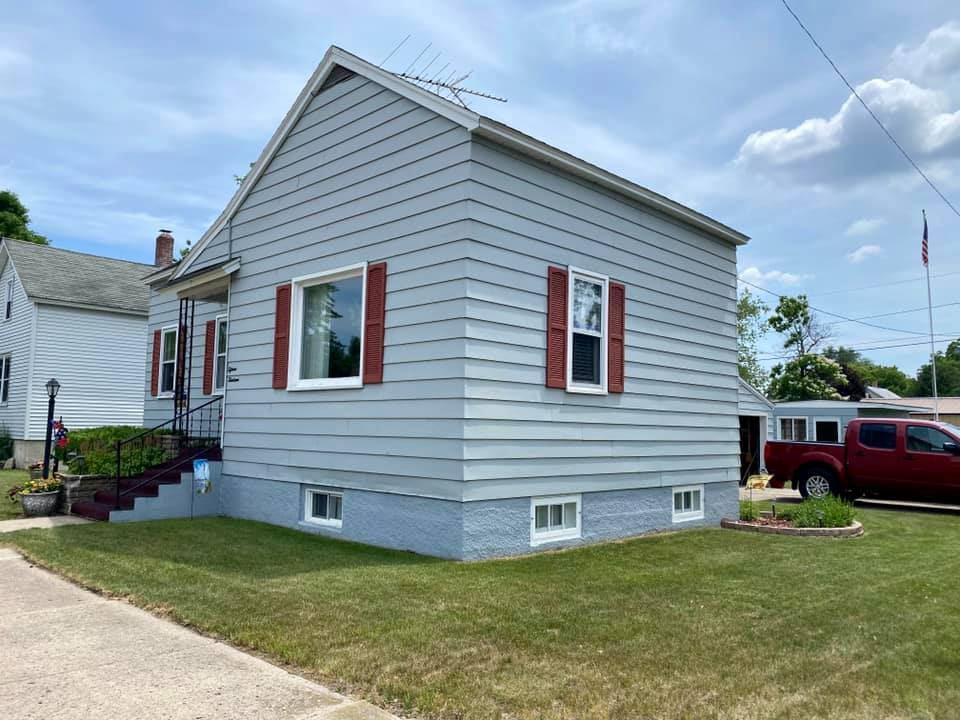 View Single-Family Home For Sale at 1513 26TH AVENUE, Menominee, MI