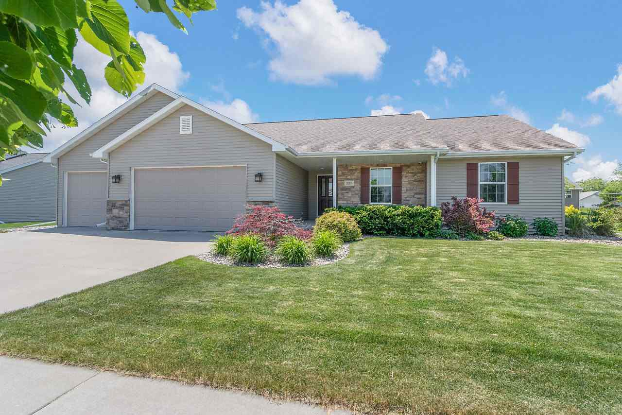 View Single-Family Home For Sale at 327 ALBERT WAY, Appleton, WI