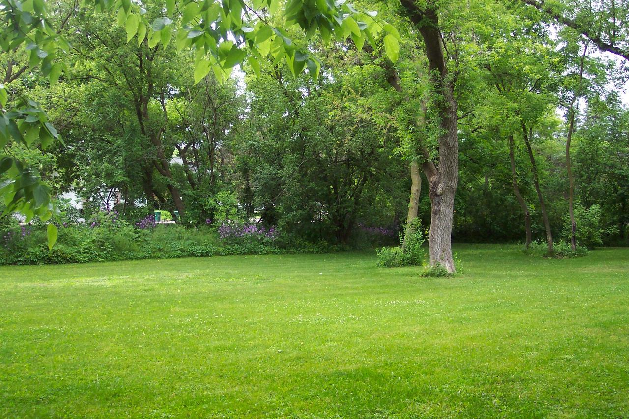 View Vacant Land For Sale at 500 Lake Bluff Rd, Thiensville, WI