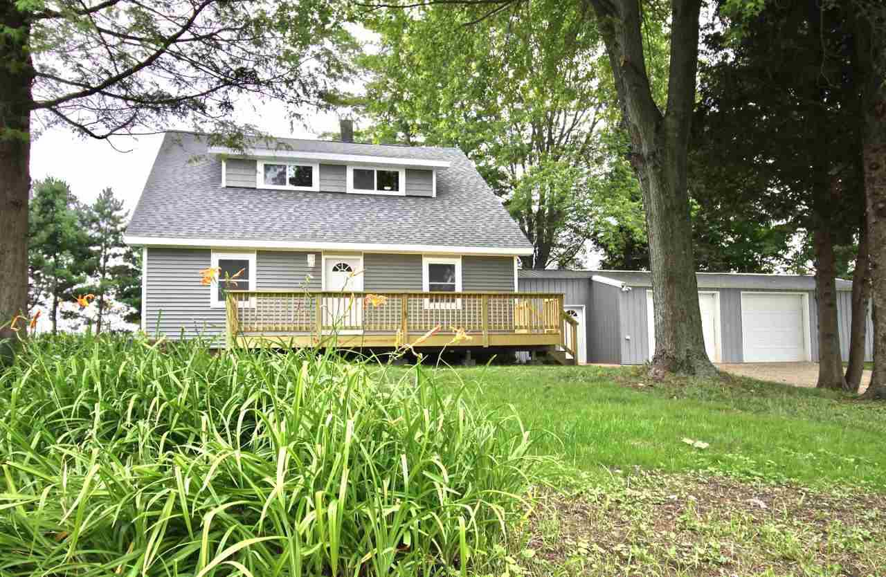 View Single-Family Home For Sale at W5611 County Road M, Peshtigo, WI