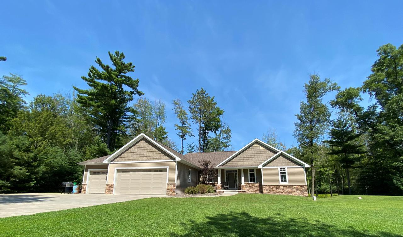 View Single-Family Home For Sale at W1374 Madsen Rd, Marinette, WI