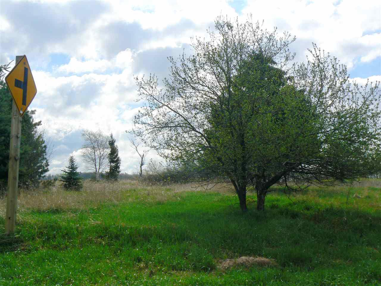 View Vacant Land For Sale at LEDGE CREST ROAD, De Pere, WI