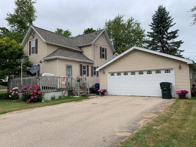 View Single-Family Home For Sale at 1014 ALGOMA STREET, New London, WI