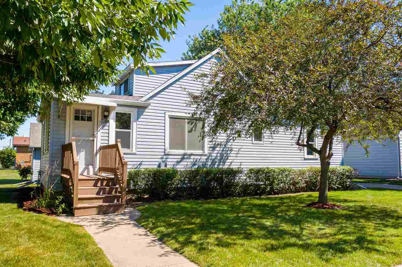 View Single-Family Home For Sale at 806 BAVARIAN COURT, Oshkosh, WI