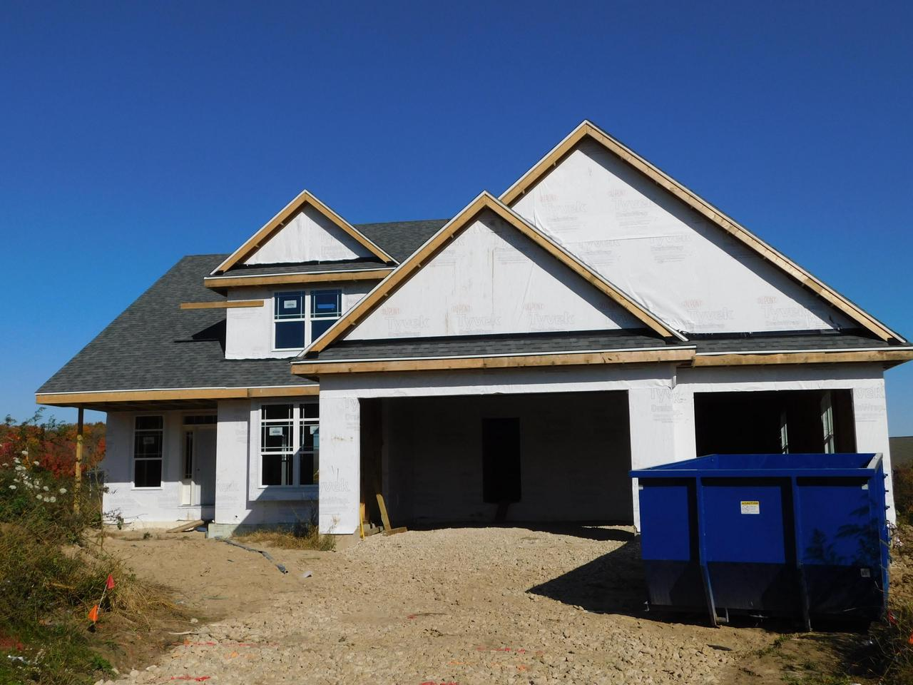 View Single-Family Home For Sale at 998 Shady Ln, Grafton, WI