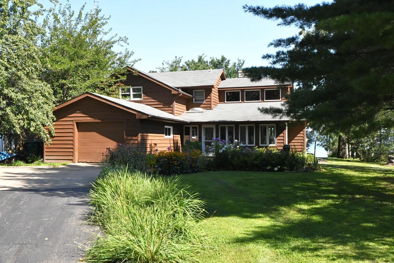 View Single-Family Home For Sale at W3018 Longview Ln, Markesan, WI