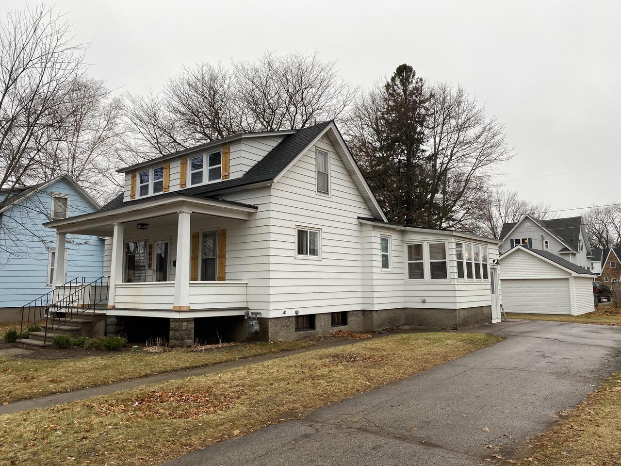 View Single-Family Home For Sale at 1418 Mary St, Marinette, WI