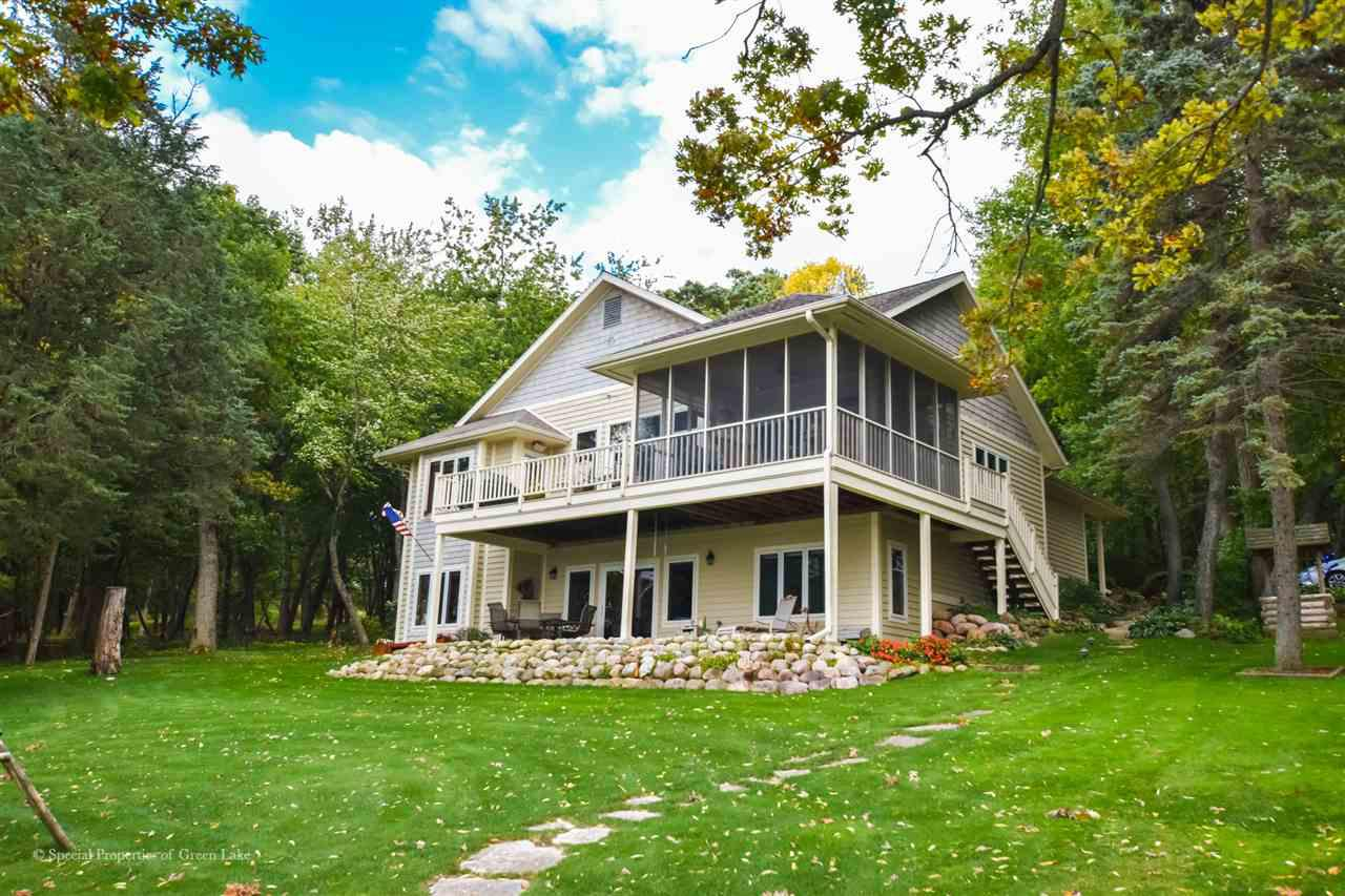 View Single-Family Home For Sale at W2592 Oakwood Beach Rd, Markesan, WI