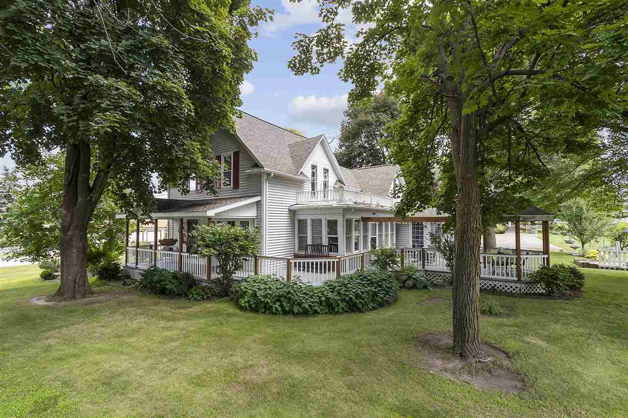View Single-Family Home For Sale at 2002 N LYNNDALE DRIVE, Appleton, WI