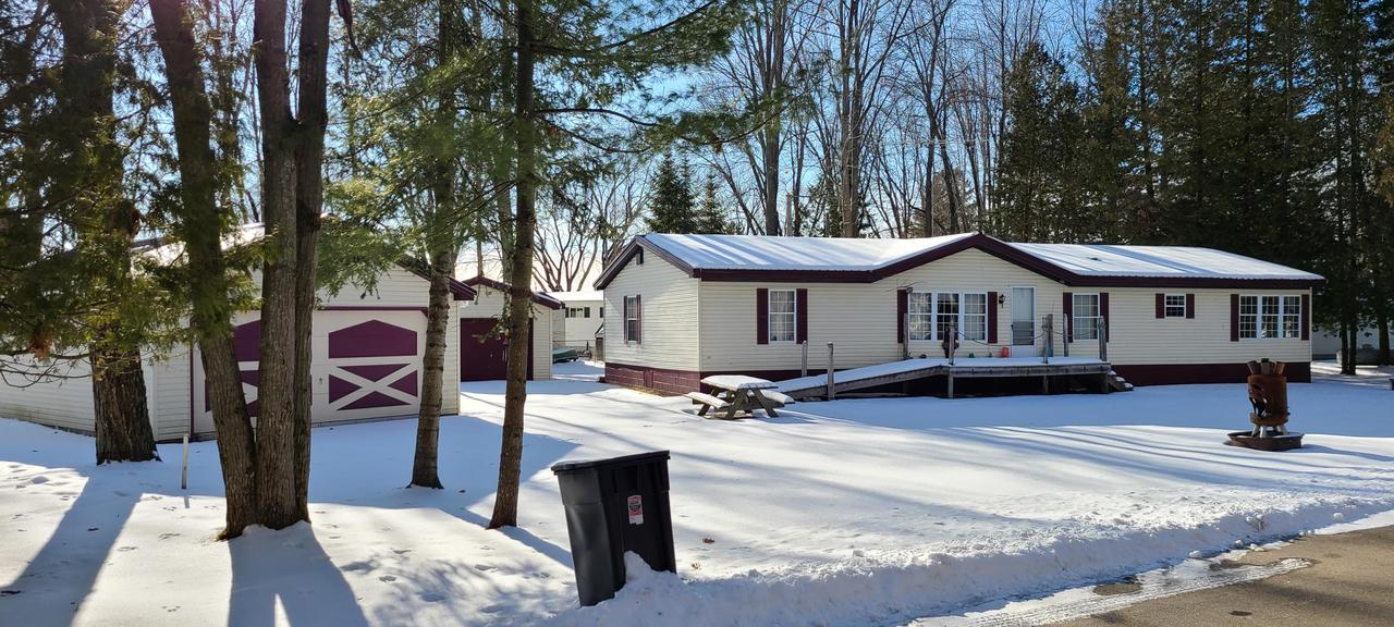 View Single-Family Home For Sale at W5823 Lewis Rd, Wausaukee, WI