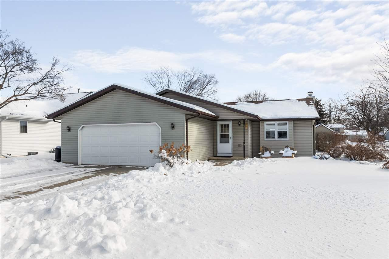 View Single-Family Home For Sale at 1241 BRIARWOOD DRIVE, Menasha, WI