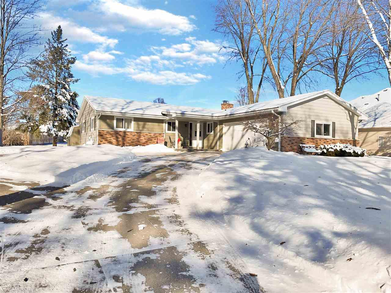 View Single-Family Home For Sale at 2108 EDGEWOOD COURT, Kaukauna, WI