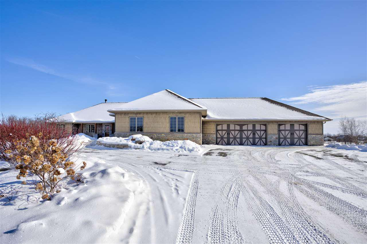 View Single-Family Home For Sale at 9336 TIMBER RIDGE ROAD, Neenah, WI