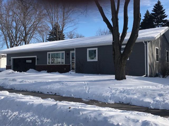 View Single-Family Home For Sale at 606 MEADOW LANE, Kaukauna, WI