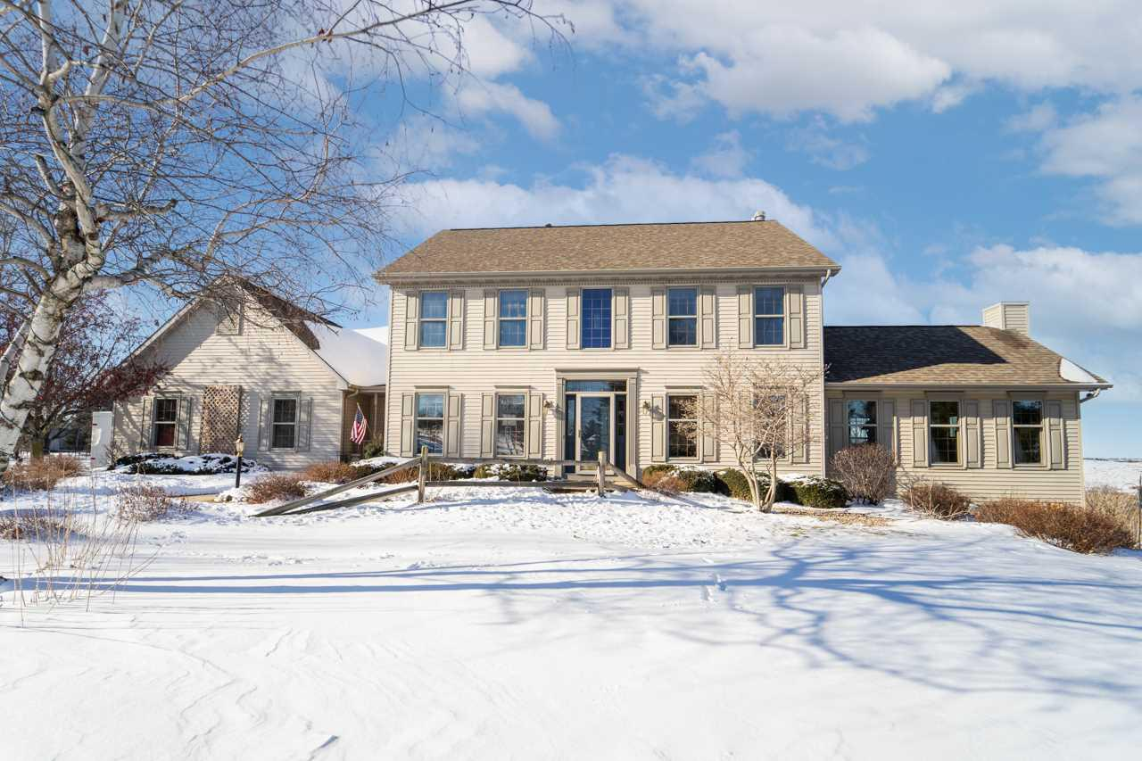 View Single-Family Home For Sale at W9738 STONE CREST DRIVE, Hortonville, WI
