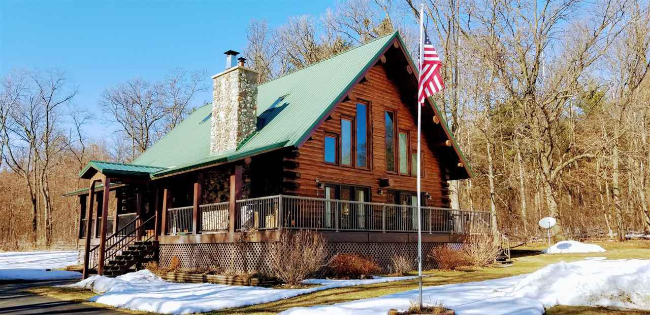 View Single-Family Home For Sale at W7606 N Star Rd, Pardeeville, WI