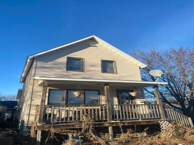 View Single-Family Home For Sale at 1606 29TH AVENUE, Menominee, MI