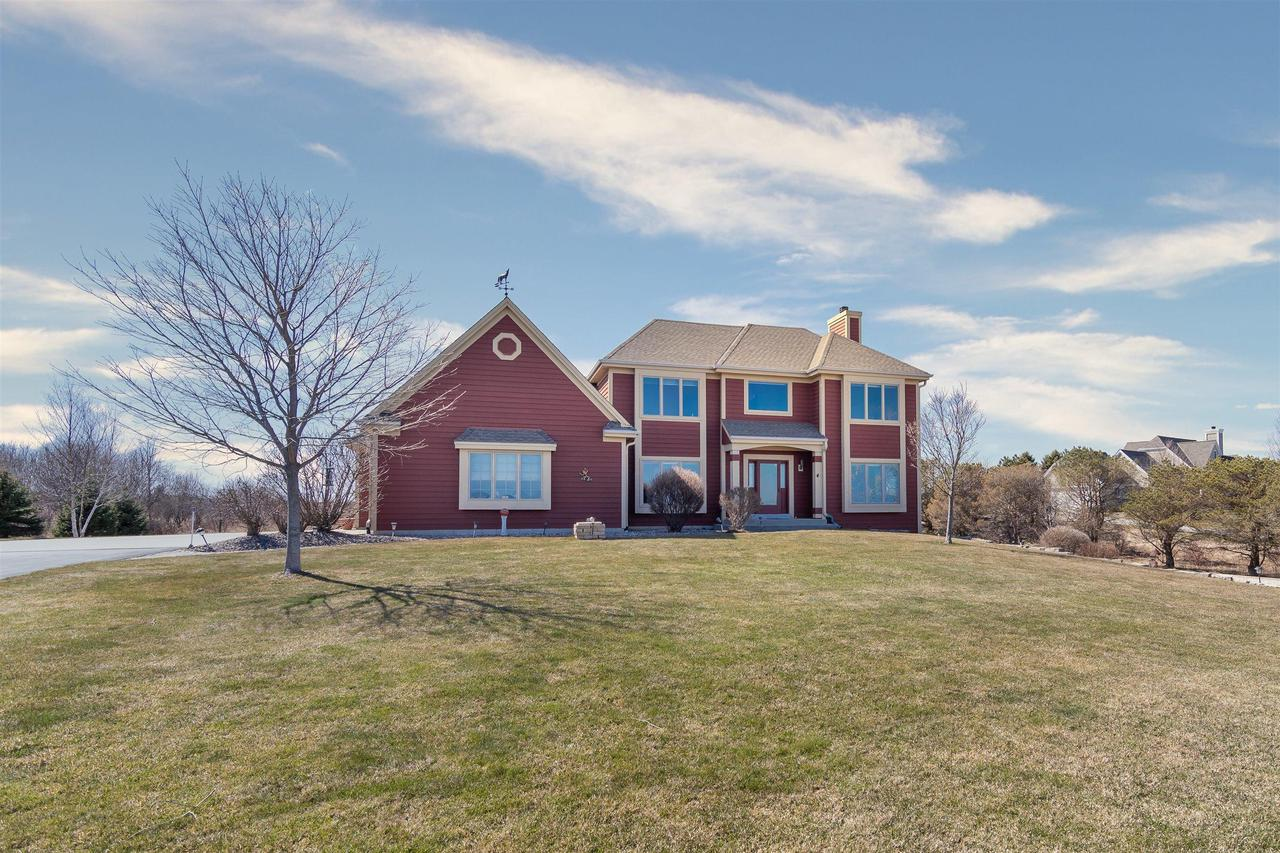 View Single-Family Home For Sale at 5225 Upper Lakeview Ridge Rd, Belgium, WI