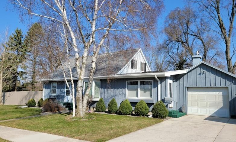 View Single-Family Home For Sale at 2318 Illinois Ave, New Holstein, WI