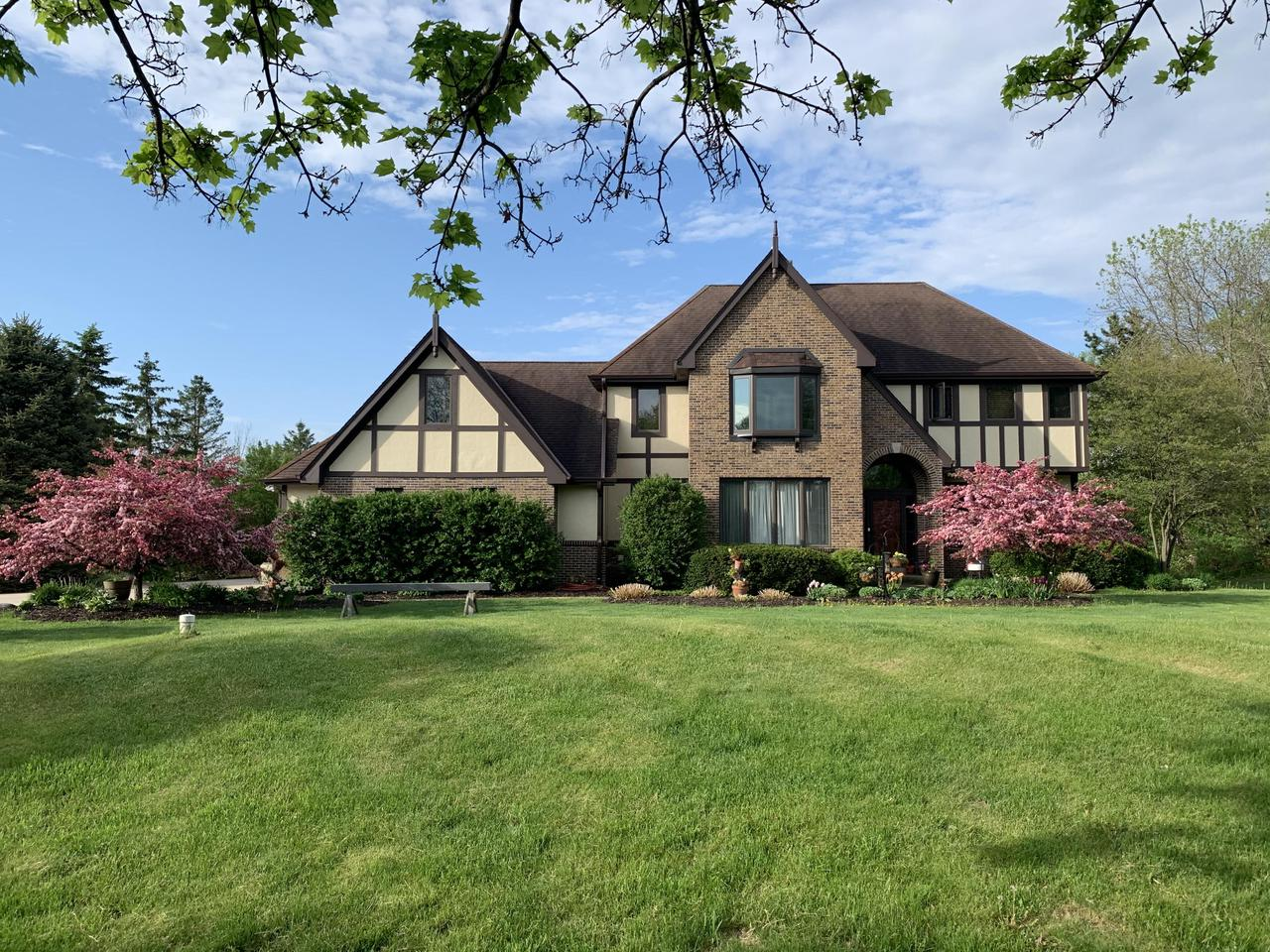 View Single-Family Home For Sale at 10249 Flagstone  Dr, Cedarburg, WI