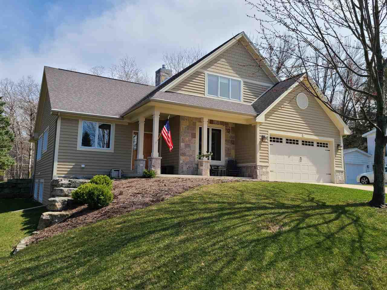 View Single-Family Home For Sale at N4948 Del Ln, Green Lake, WI