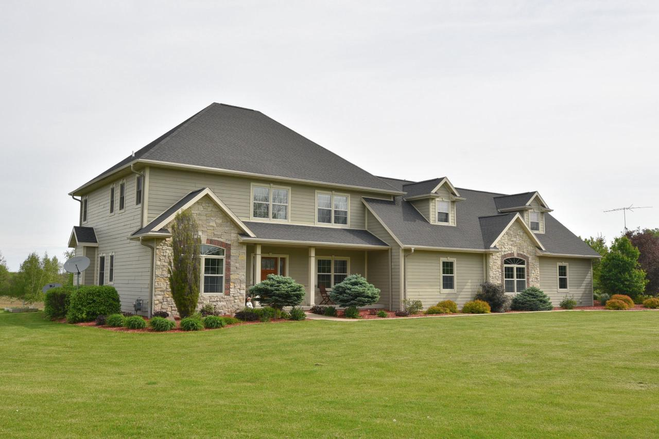 View Single-Family Home For Sale at W5185 Brookside Rd, Fond Du Lac, WI