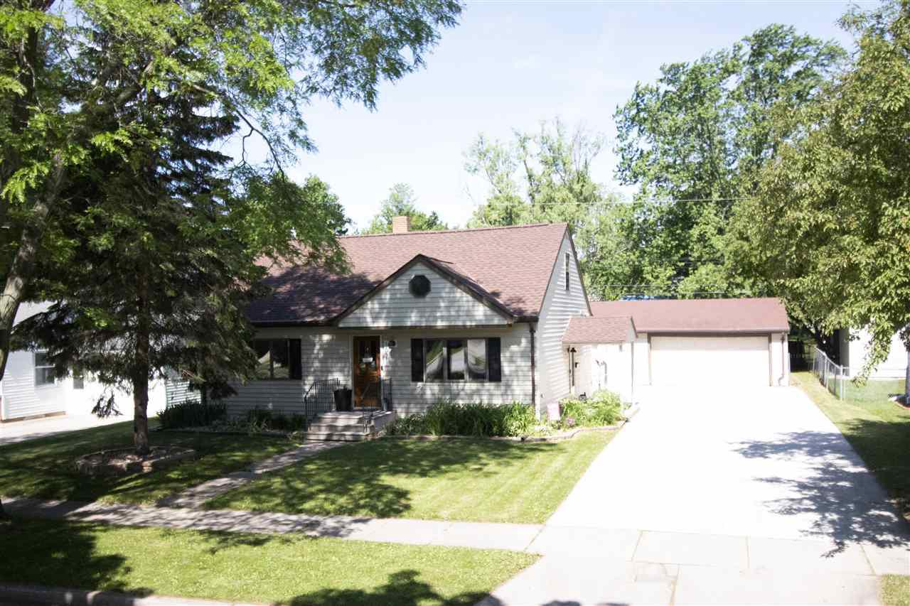 View Single-Family Home For Sale at 1021 ROYAL BOULEVARD, Green Bay, WI