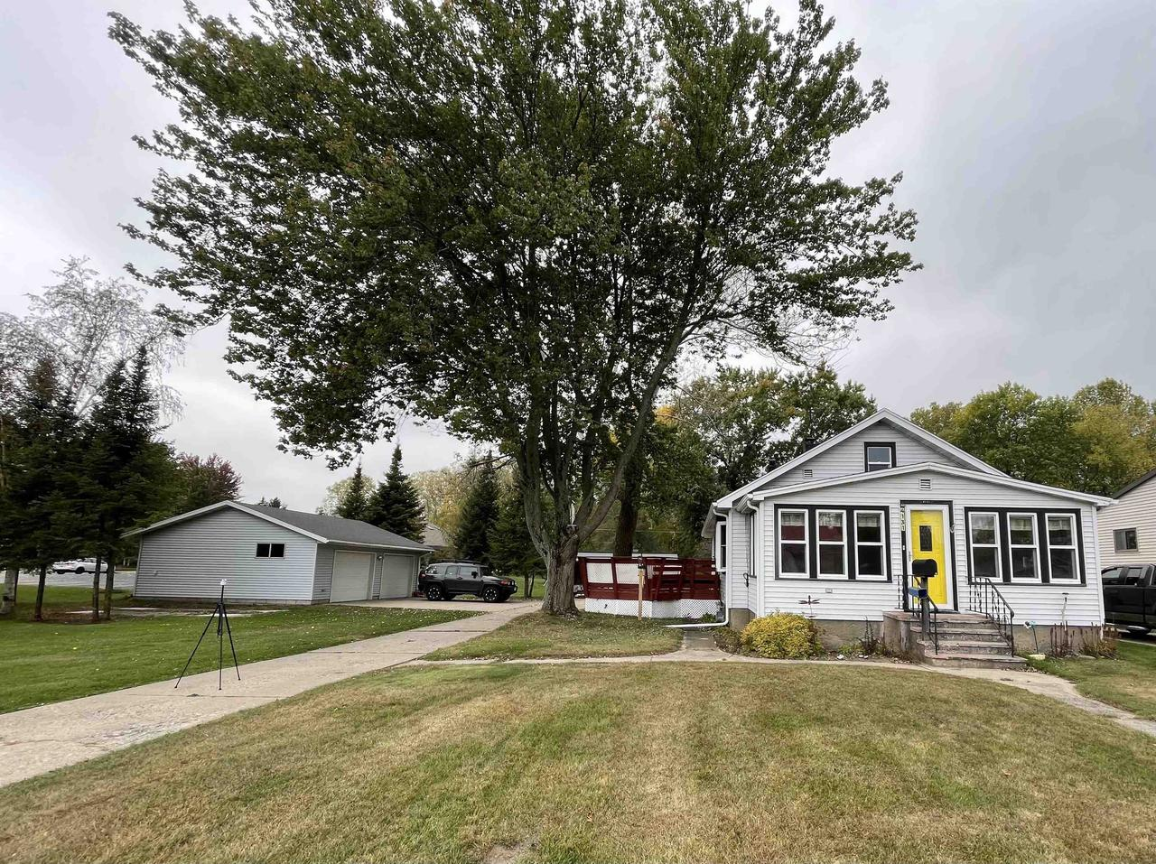View Single-Family Home For Sale at 4131 10TH STREET, Menominee, MI