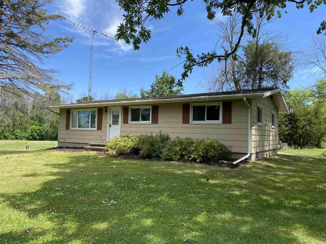 View Single-Family Home For Sale at N4075 RIVER ROAD, Oakfield, WI