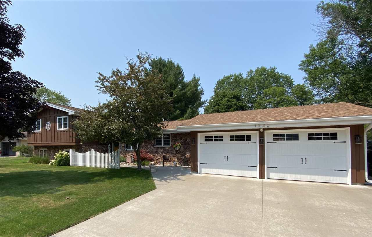 View Single-Family Home For Sale at 1230 EDWIN STREET, Marinette, WI