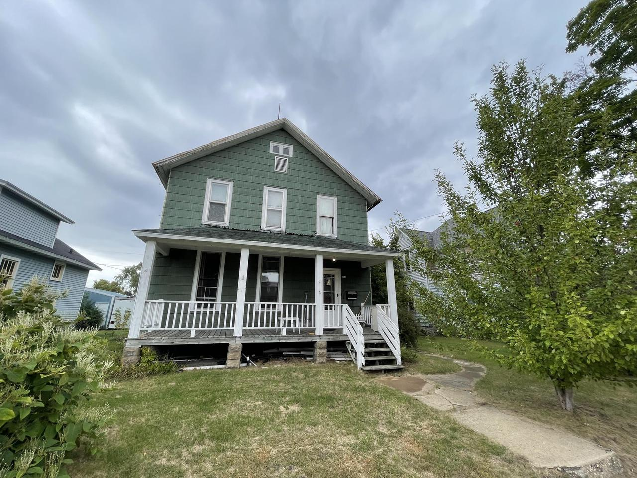 View Single-Family Home For Sale at 604 9th Ave, MENOMINEE, MI
