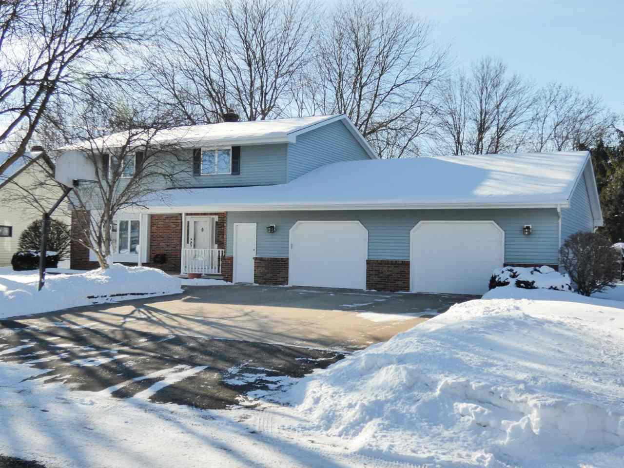 2543 SUNNYVIEW CIRCLE CIRCLE, GRAND CHUTE, WI 54914