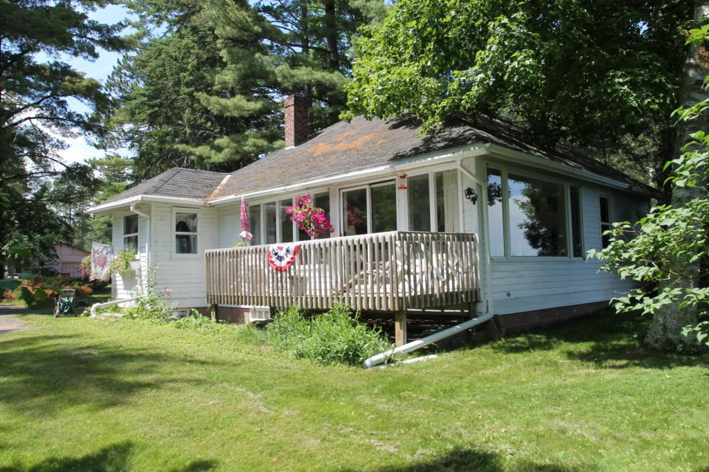 Unbelievable Lake Superior views and sand beach! 2 bedrooms, 1 bath. Open living room that overlooks beautiful Lake Superior. This setting is like your own private park. Deck and stairway that leads to full sand beach.