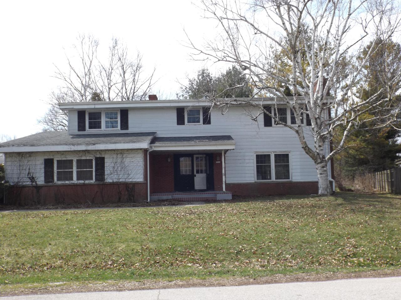 Huge two story in a great North Side Location.  Fireplaces in both the Formal LR and Family Room.  Lots of space to spread out.  No Condition Report or Gap will be provided.