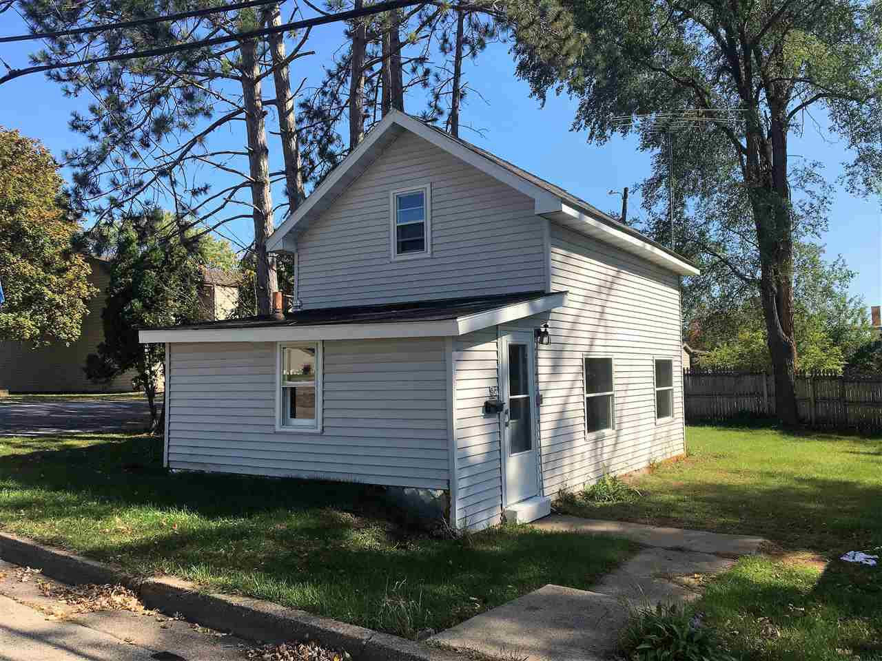 Newly renovated 1 bed 1 bath home in the heart of Clintonville.  The home is located on a corner and has a large fenced in backyard along with a 1.5 car detached garage. Stop renting and come take a look at this move-in ready home.