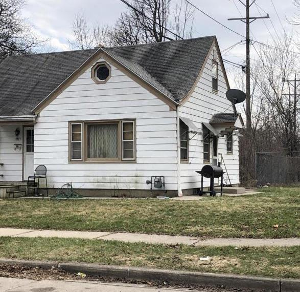 Great Opportunity for owner occupant or investors to be the new owner of this charming 2BR Cape Cod with Eat-in Kitchen, nice sized yard, driveway to 1.5 detached garage, Expandable Attic and more!  Close to Transportation, & Schools; within 5 min drive to McGoven Park. Call now to see.