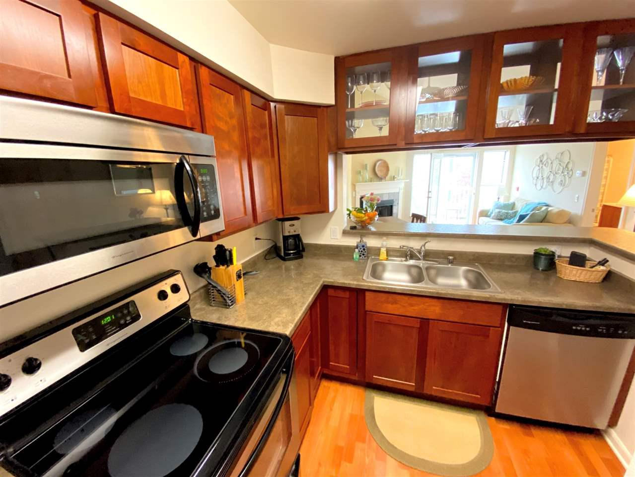 705 Harbor House Dr DRIVE 8, MADISON, WI 53719