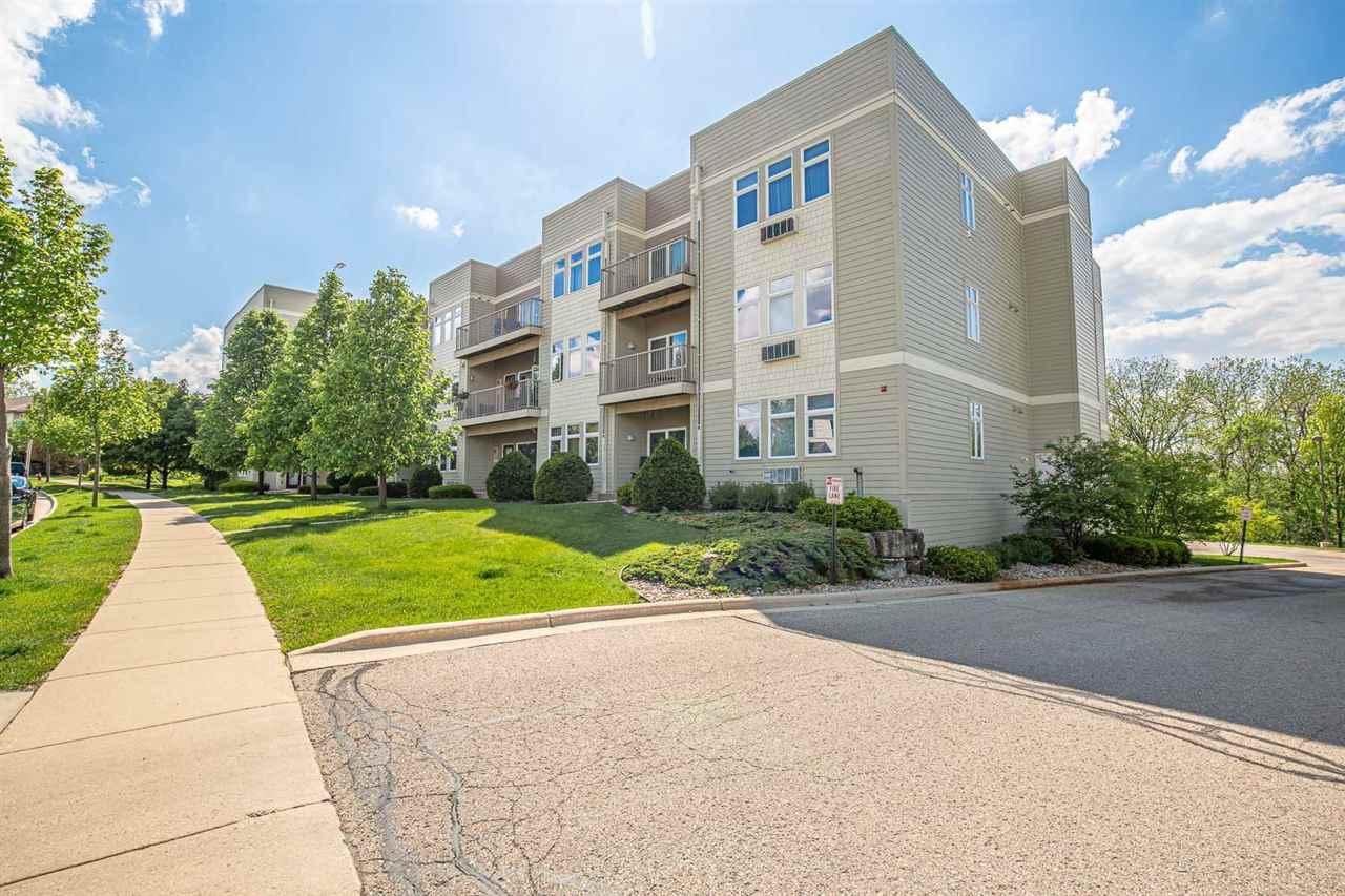 8206 Starr Grass Dr DRIVE 205, MADISON, WI 53719