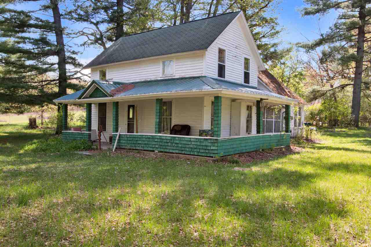Vintage, late 1890's, 2-story farm home with 2.5 Ac on the Pine River & surrounded by 100's of acres of DNR land. Home has beautiful hardwood floors, extra large rooms, 5 bedrooms, ample storage, it's an ideal country getaway for outdoor recreation, kayaking on the Pine R, hunting, hiking, winter sports, etc.  Yard has massive maple & gorgeous white pine, shadowing the Pine River.  Rustic setting, pristine waters, peaceful and quiet.