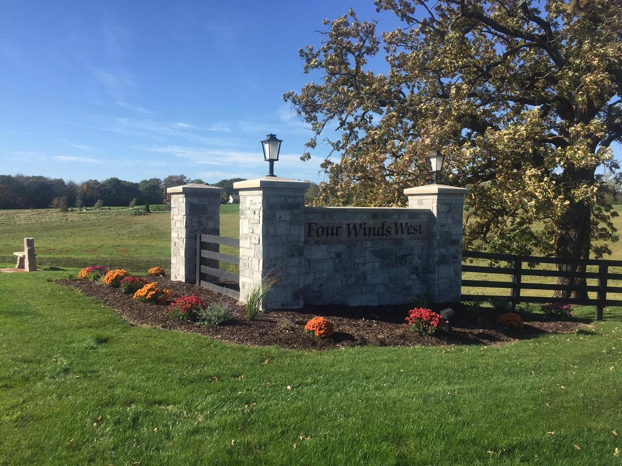 255 Four Winds Ct COURT Lot 17, HARTLAND, WI 53029