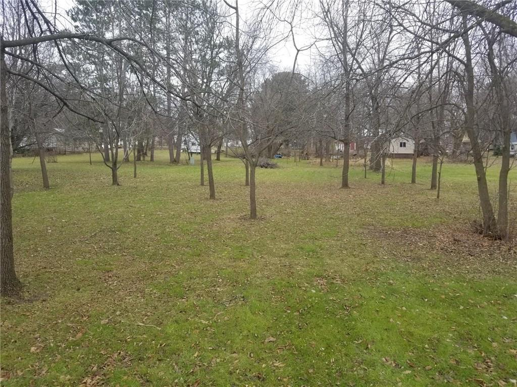 Very nice building lot in the center of Fairchild.  Lot has access from Oak St or North St.