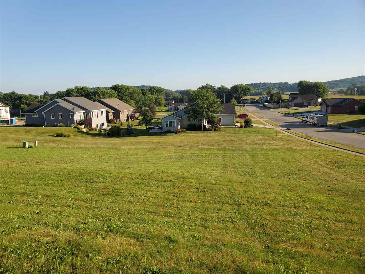 Large building site offering an exposed/walk out lower level.  Elevated site boasts a Valley view.  Bring your own Builder.  Close proximity to walking trails and neighborhood park.