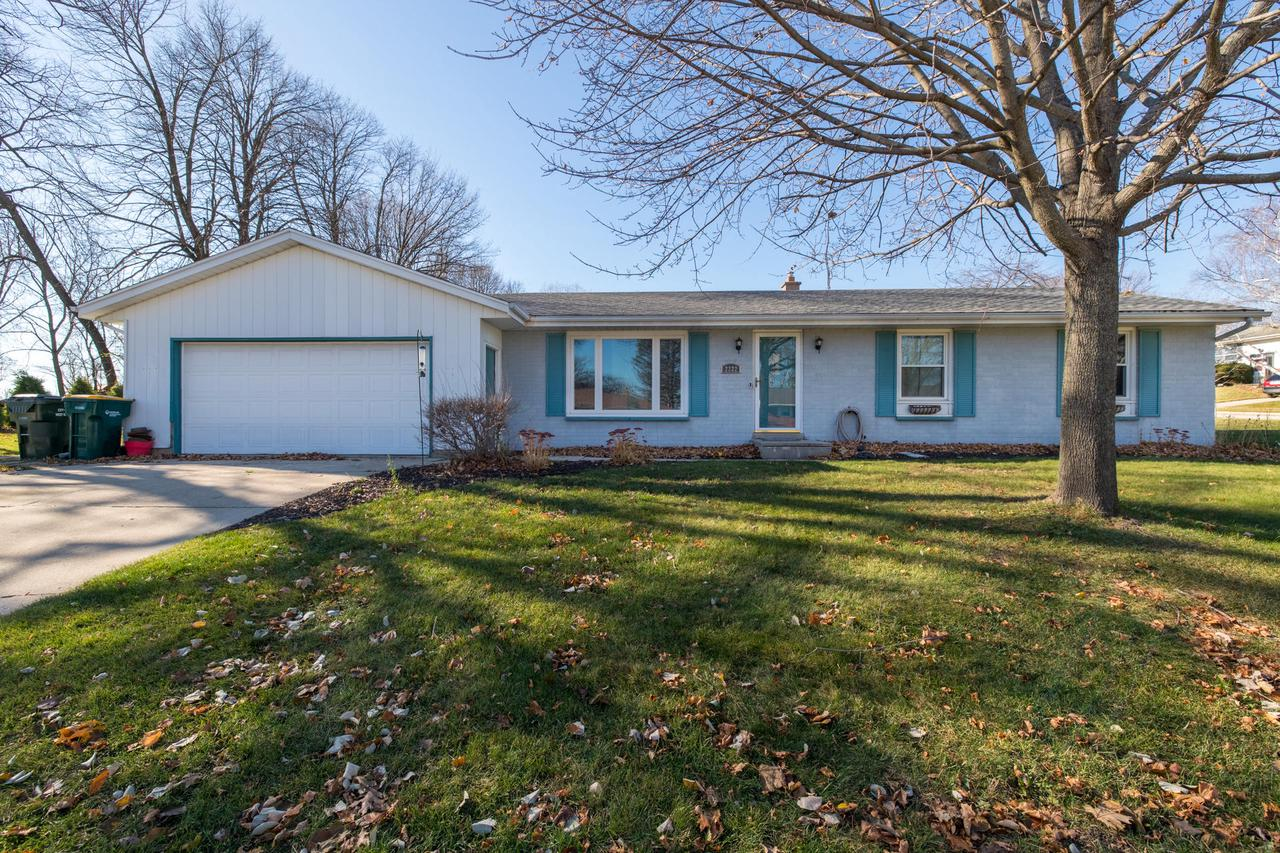 Sprawling 4 bedroom, 2 bath ranch is set on spacious corner lot.  This home has newer windows, roof, furnace, and central air.  Living room and family room give you plenty of space to spread out. First floor laundry for convenience.  Large lower level will add valuable square footage when complete.